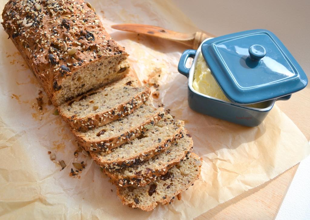 Receitas com  missão -  Pão rápido de sementes e iogurte